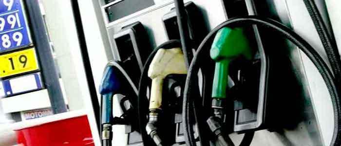 AAP compromete a Repsol para continuar con la mejora de combustibles