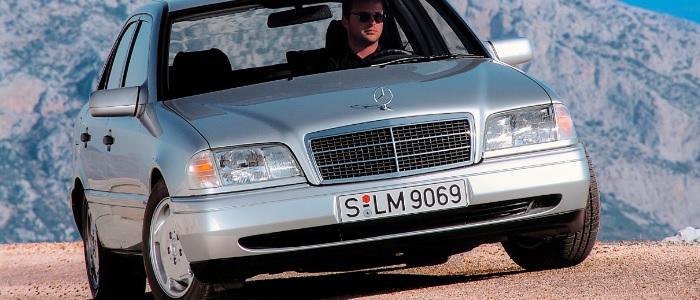 La Clase C de Mercedes-Benz cumple más de 35 años de historia