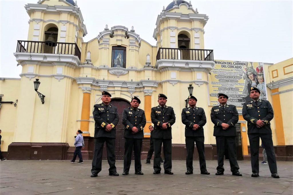 La Asociación Automotriz del Perú (AAP) entregó un reconocimiento a efectivos de la DIVPIRV, antes Diprove, por su labor por la seguridad ciudadana.